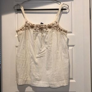 Flowy and flattering Lucky brand top